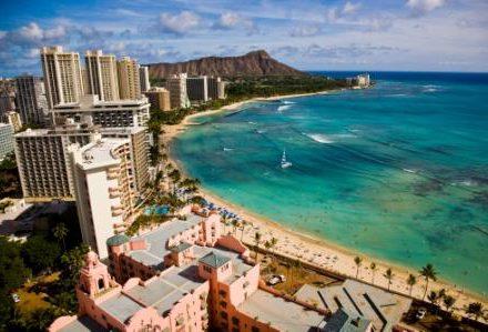Vacances à Hawaii c'est aussi découvrir le mode de vie américain et son urbanisme à Waikiki un séjour exceptionel de routedhawaii.com
