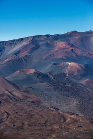 Vacances à Hawaii randonnée sur le volcan Haleakala de l'île Maui un circuit organisé par routedhawaii.com